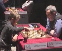 Magnus Carlsen cuando a 13 años enfrenta Kasparov
