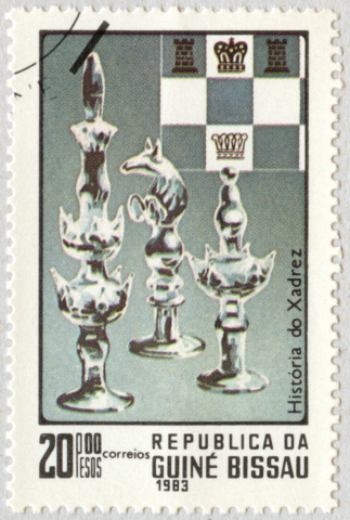 Historia del Ajedrez. Piezas de vidrio. República de Guinea Bissau 1983.