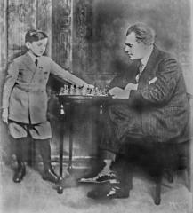 Samuel Reshevsky con el cantante de opera Joseph Schwarz en 1922